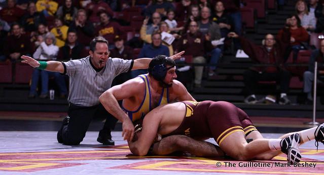 285: Jarrod Snyder (Cal State Bakersfield) dec. Chase O'Connor (Minnesota) 4-1 TB1. 191101AMK0190