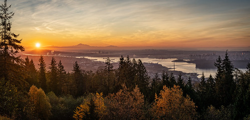 sunrise vancouver cypress viewpoint majestic autumn westcoast sun orange wideangle panorama morning britishcolumbia canada mountains mountbaker urban cityscape harbour pacificnorthwest lionsgate downtown tourism sonya7iii panoramic metrovancouver
