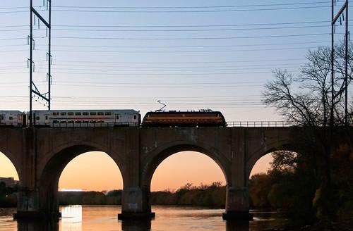 njt njtransit bombardier alp46a prr heritageunit pennsylvaniarailroad raritanriver raritanriverbridge highlandparknj commuter
