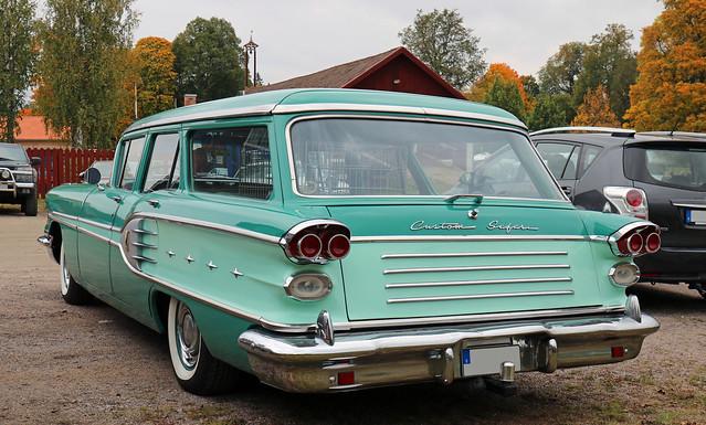1958 Pontiac Star Chief Custom  Safari Station Wagon
