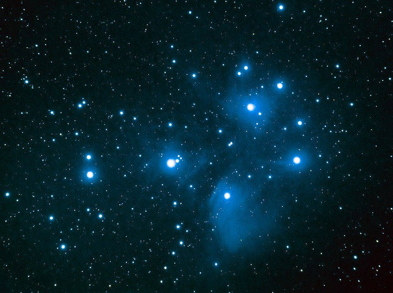 M45 プレアデス星団 (2019/10/31 23:39)