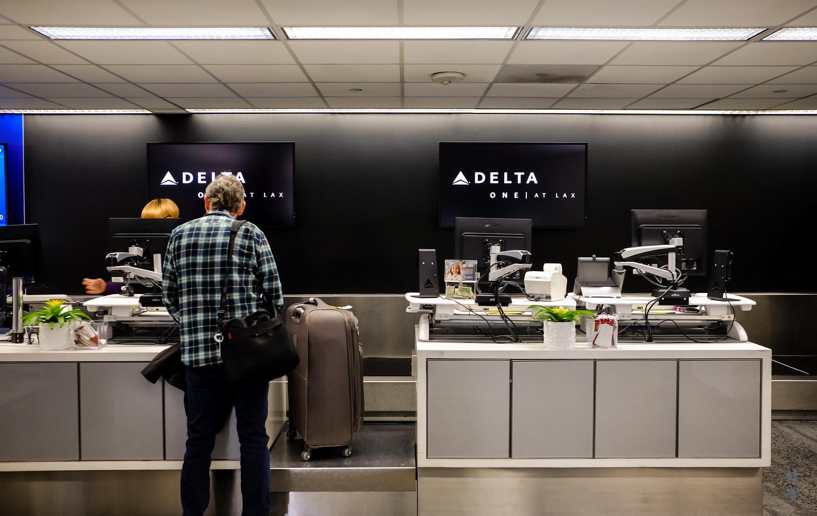 Delta ONE check-in