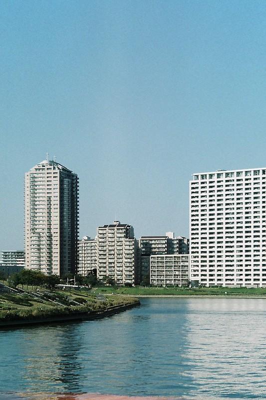 FlexaretⅥ+35mmアダプター+FUJIFILM業務用100水神大橋からの隅田川