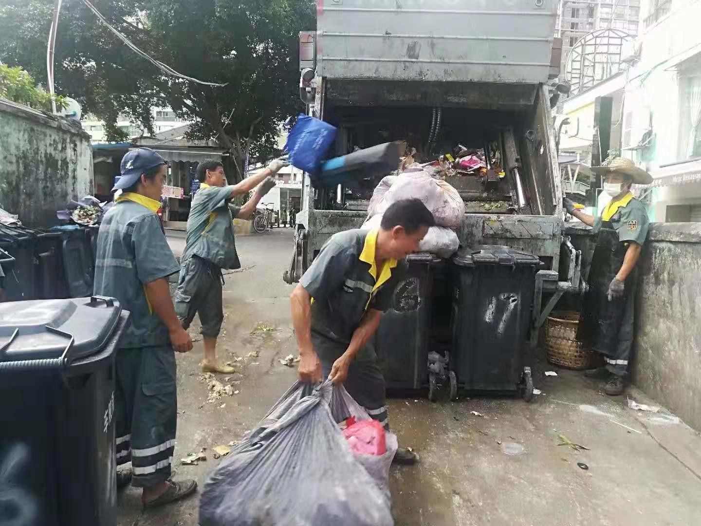 廣州環衛工人工作場景。(攝影:孫近德)