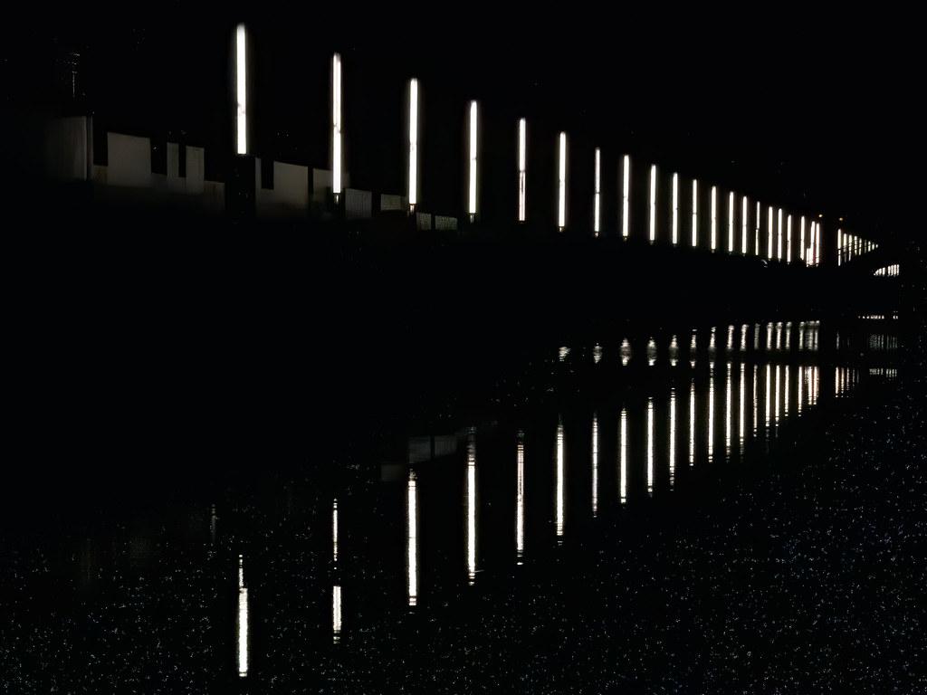 Reflets sur le canal... 49000055606_110d0c86ef_b