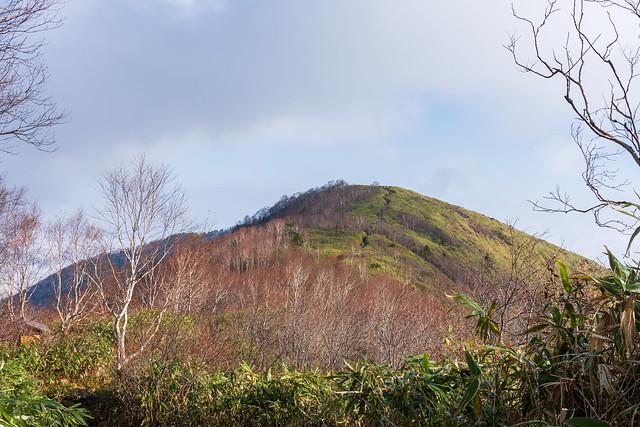 飯縄山頂へ