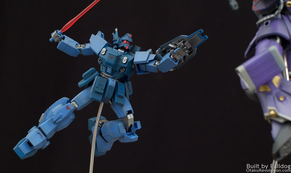 Blue Destiny vs Efreet Custom 7