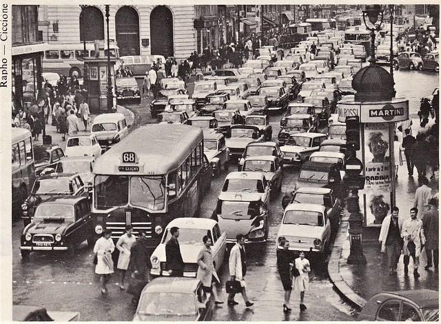 Postcard Collection ''Les nouvelles aventures automobiles'' Dans la ville encombrée. Editions H. Duchemin Rue Felix Faure Créteil 1968a