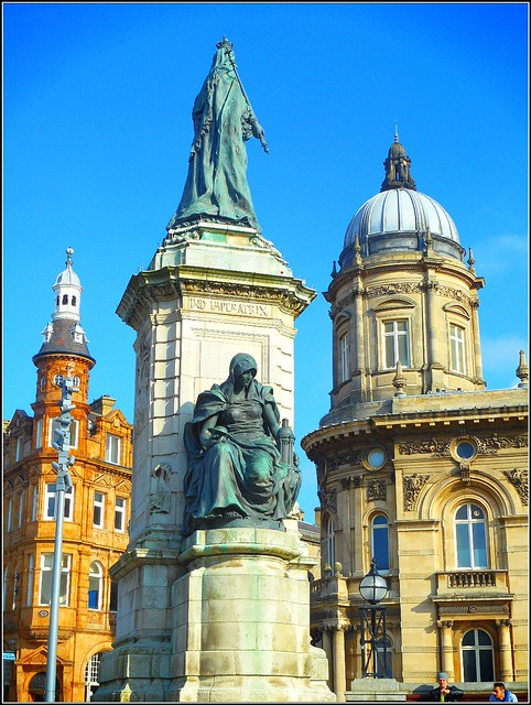Hulls Queen Victoria Square ..