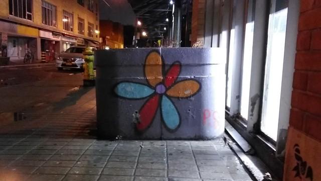Flower #toronto #kensingtonmarket #baldwinstreet #flower #publicart #graffiti #latergram