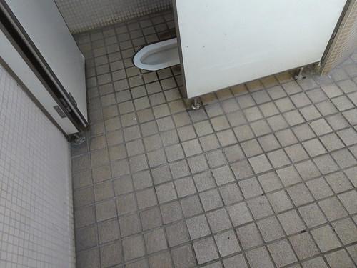 和式トイレ トトロの森1号地ちかくの市営駐車場