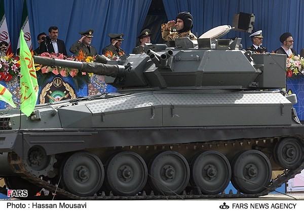 Scorpion-iran-military-day-2013-fna-1