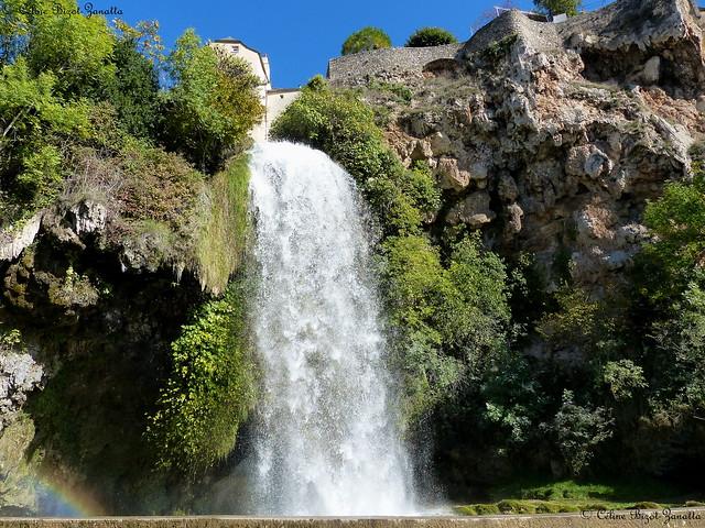 Salles la source et sa cascade - Aveyron - Occitanie - France - Europe