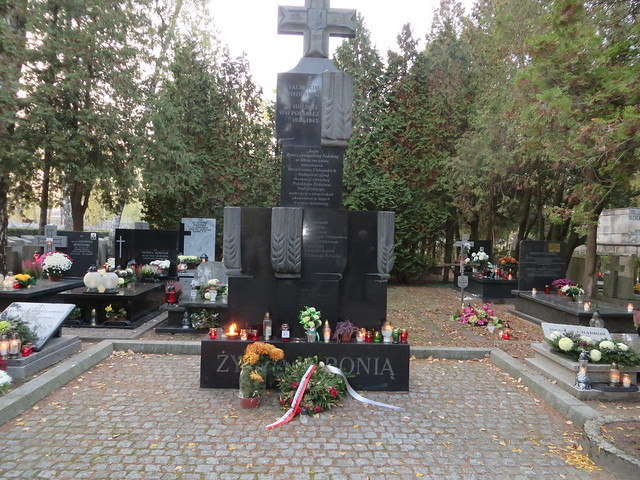 1 listopada 2010 Pomnik żołnierzom Batalonów Chłopskich