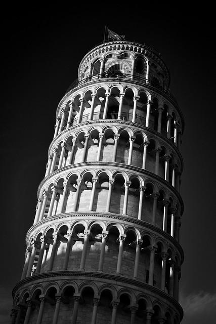Torre di Pisa B&W