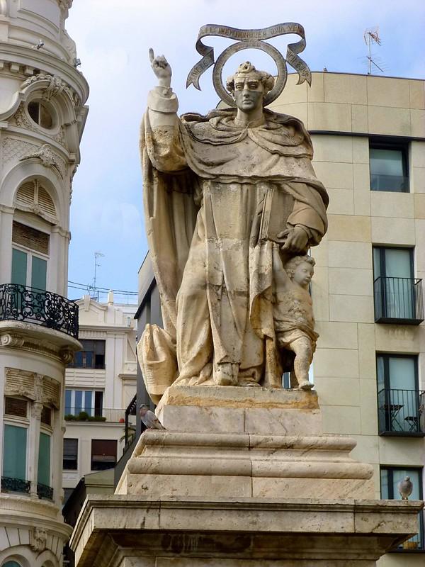 Valencia_-_Plaza_de_Tetuán,_Monumento_a_San_Vicente_Ferrer_2