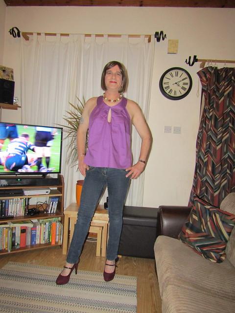 2-11-19 Lindy Bop 'Melissa' Purple Halterneck Top (1)
