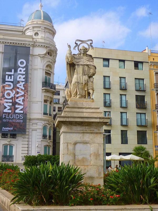 Valencia_-_Plaza_de_Tetuán,_Monumento_a_San_Vicente_Ferrer_1