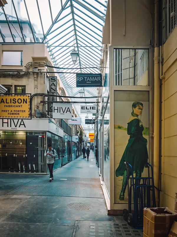Passage parisien du Xème... 49003876967_ba4f38e4c2_c