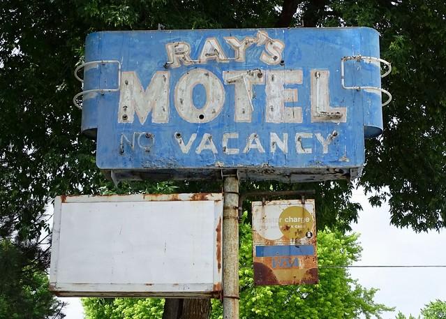 ID, Shoshone-U.S. 93 Ray's Motel Ghost Neon Sign