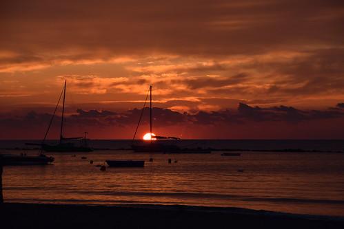 sea sun sunrise morning seaside walk morningwalk limassol cyprus dawn λεμεσόσ κυπροσ ανατολήήλιου