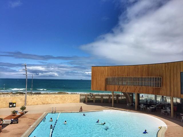 Pool vs Sea