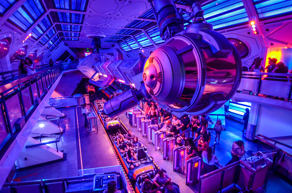 Space Mountain queue DL