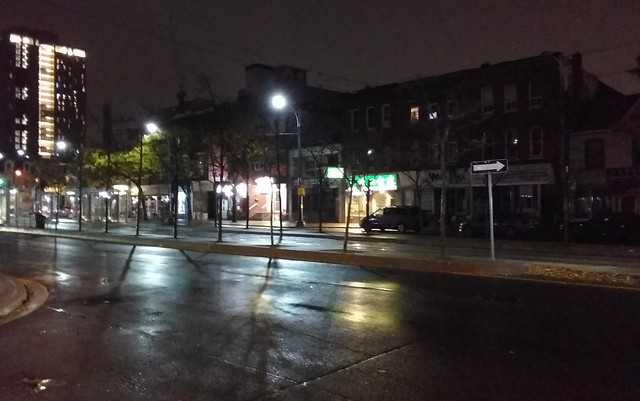 Spadina below College (1) #toronto #spadinaavenue #spadina #chinatown #night #latergram