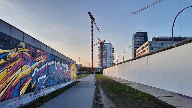 20191031 Berlin Friedrichshain East Side Gallery Backside (21)
