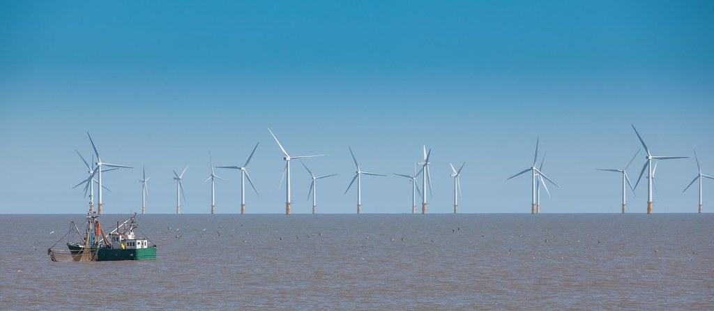 離岸風機與漁船。圖片來源:美國馬里蘭州政府maryland gov.