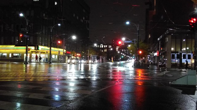 Spadina and College #toronto #spadinaavenue #spadina #collegestreet #night #intersection #latergram