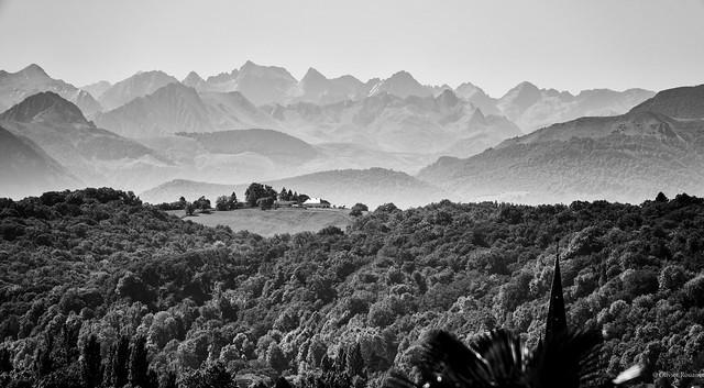 Les Pyrénées depuis Pau