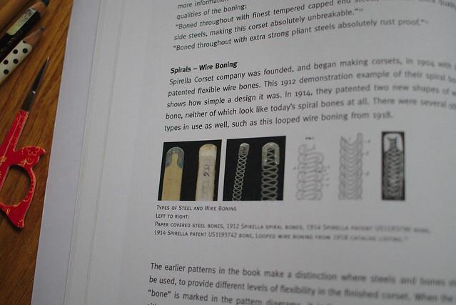 Livre de corset historique, review