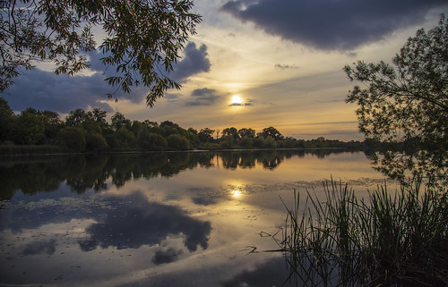 canon6d sun sunset landscape waterscape nature outdoors outside uk cambridgeshire sky clouds water lake reflections