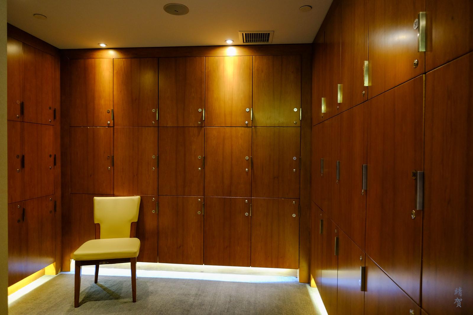 Locker room in the second floor
