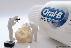 Macro Mondays 1st try: Oral B - use it or loose it