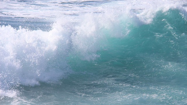wave - sao mateus da calheta