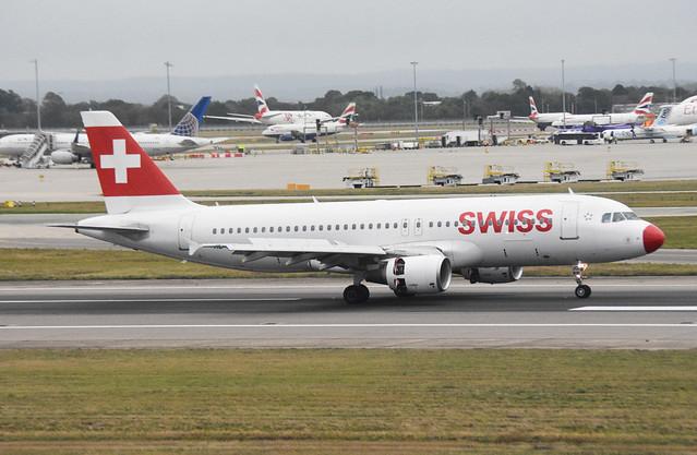 Swiss HB-IJQ Airbus A320-214