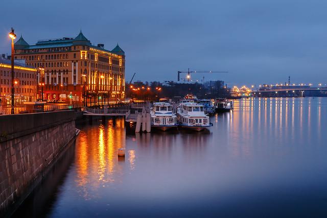 Morning on the piers of Malaya Neva - Утро на причалах Малой Невы