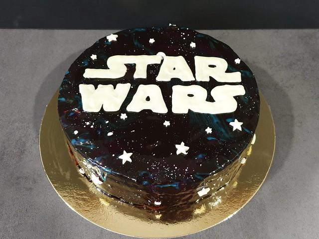 La guerre des étoiles - Le retour du...Royal Chocolat.Galaxy cake