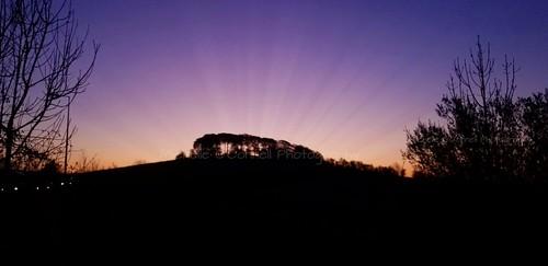drumchapel bearsden faifley peelglenroad autumn castlehillromanfort castlehill silhouettephotography silhouette sunrisesunsets dawn sunrise sunbeam woodland sunrays colourfulsky colour colourful skyporn skylovers autumnalcolours drumchapellifesofar michelleoconnellphotography