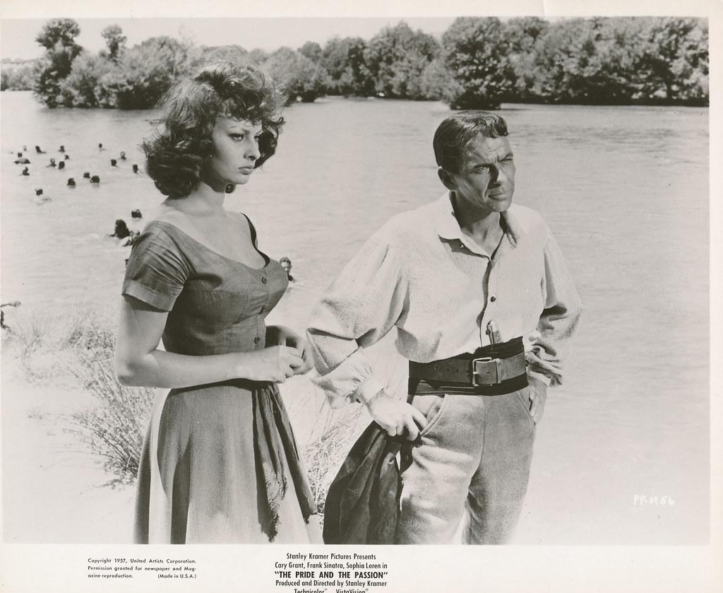 Sophia Loren y Frank Sinatra en el río Tajo. Colección Personal de Luis Alba