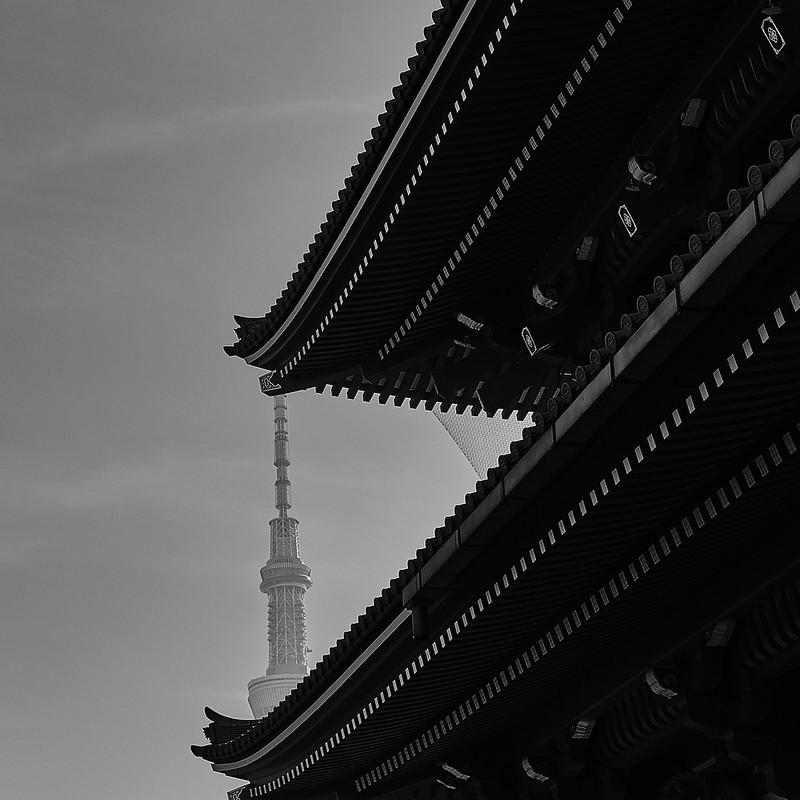 Juxtaposition of classic and modern at Sensō-ji