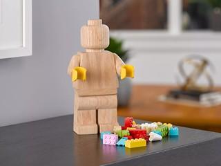 高級木紋質感 × 經典樂高人偶! 激發創作靈感的全新系列「LEGO Originals」853967【樂高木製人偶】Wooden Minifigure 發表!