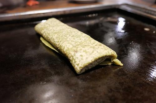 黒みつと素焚糖(すだきとう)のもちあんこ巻き  550円