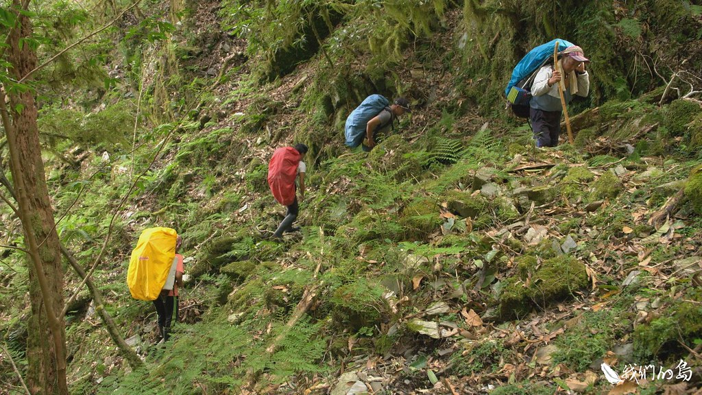 卓溪鄉布農族人組成登山協會,希望能在自己的傳統領域,開創新的工作機會。