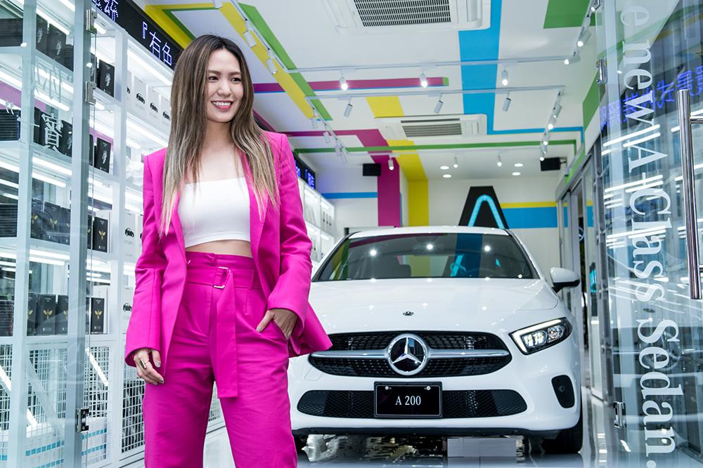 新生代唱作小天后–孫盛希擔任「A-Mart 星生活便利店」開幕嘉賓,為新世代轎車發聲