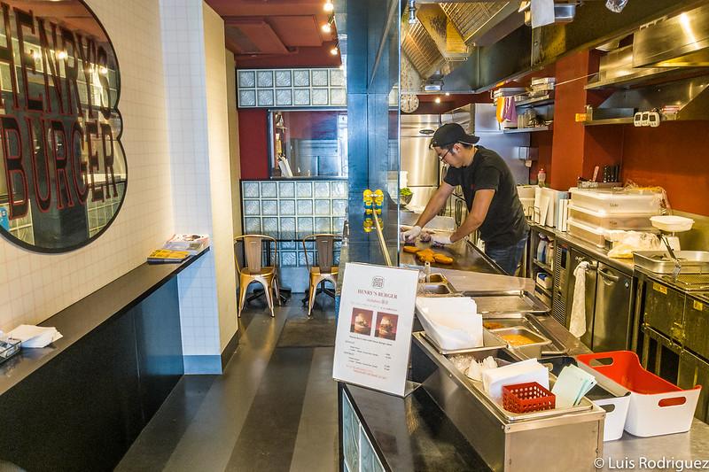 Cocina en la planta baja del local de Akihabara