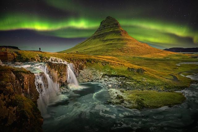 Shooting the Aurora, Kirkjufell