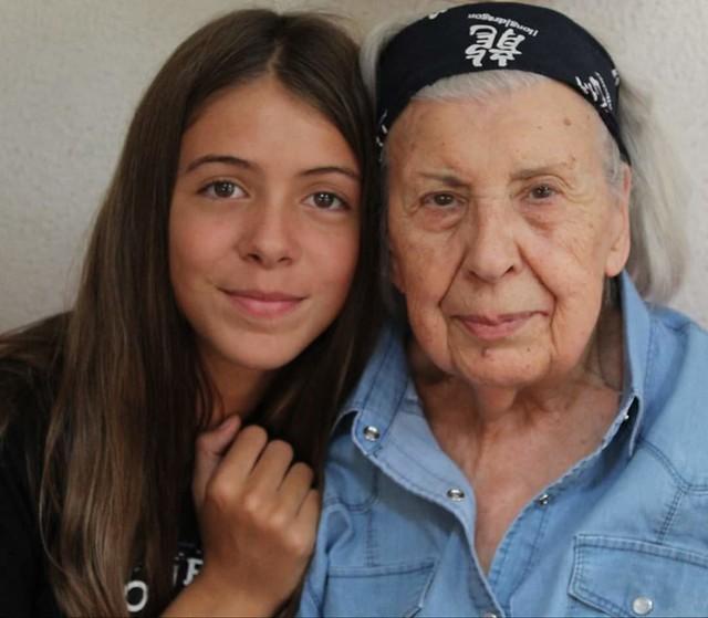 Arrière grand-mère 89 ans Et son  Arrière petite fille 13 ans  😍
